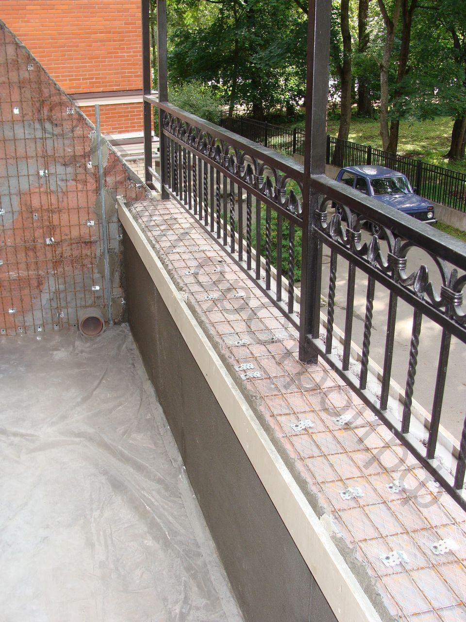 Балкон в коттедже: фото работ от домгорстрой.